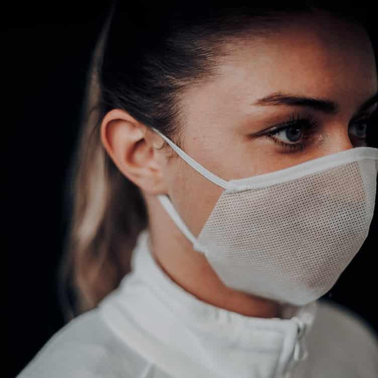 Atemmaske - Daily Mask 2-K2 mit Einfass - Mittlere Kopfgröße, bevorzugt für Damen (wiederverwendbar / waschbar)