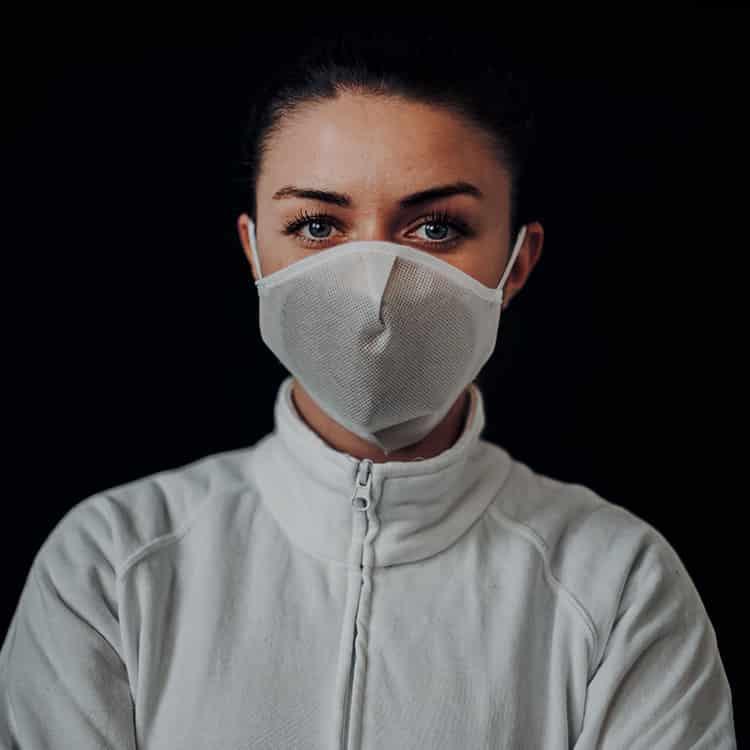 Atemmaske - Daily Mask 4 mit Einfass inklusive Filter, Standardgröße, bevorzugt für Herren (wiederverwendbar / waschbar)